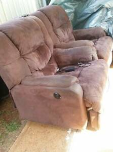 Electric recliners x 2