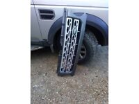 Land Rover Discovery 4 front grill