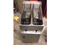 DINER CAFE TAKEAWAY VALENTINE V2200 LATEST MODEL ELECTRIC FRYER 2 BASKET 2 TANK THREE PHASE SERVICED