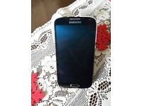 Samsung Galaxy s4 any network few marks on case but screen is like new