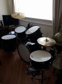 FULL SIZE MIRAGE DRUM KIT EXCELLENT CONDTION