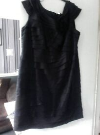 Beautiful Portrait black designer dress size 26