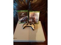 Xbox one (white) 1 pad and 2 games