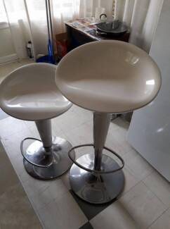 FREE Bar Stools in Blackburn North 3130, VIC