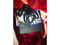 PS4 SLIM 1TB PERFECT, WITH RAZER KRAKEN 7.1 AND GTA V AND TOM CLANCY'S THE DIVIDION