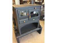 NEW. PRITY 2 M. 13 KW. WOOD-FIRED COOKING STOVE. RRP £595 - 30%