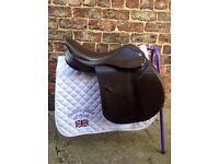 Heritage JP jumping saddle
