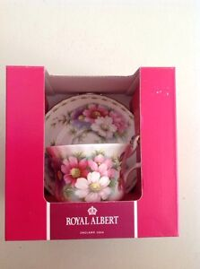 ROYAL ALBERT TEA CUP & SAUCER SET X 2 Tweed Heads Tweed Heads Area Preview