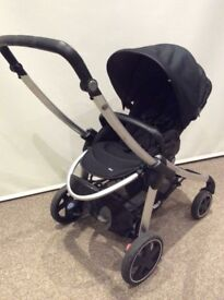 Maxi cosi Elea Pushchair comes with choice of footmuffs red/black