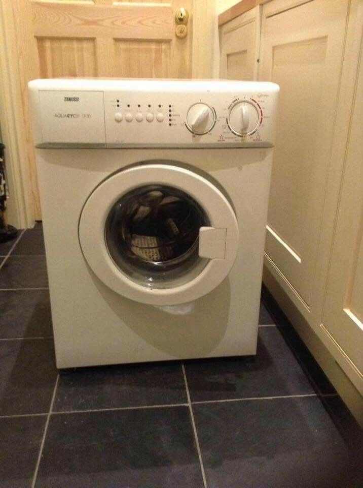 Zanussi Mini Size Washing Machine For Caravan Flat Etc