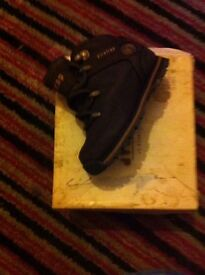 Baby boys size 5 fire trap boots ex. Condition