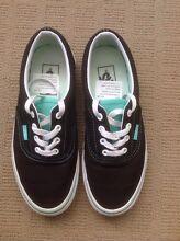 Ladies Vans shoes Size US5.5 (Aus 7) Cannon Hill Brisbane South East Preview