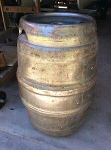 18 gallon TOOHEYS Ltd (GRAFTON) beer keg ! Woombah Clarence Valley Preview