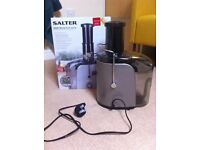 Whole Fruit and Vegetable Juicer, Excellent Condition