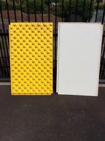 Underfloor insulation pads
