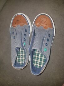 Boys pumps/trainers, blue denim, teddy design Infant size 7