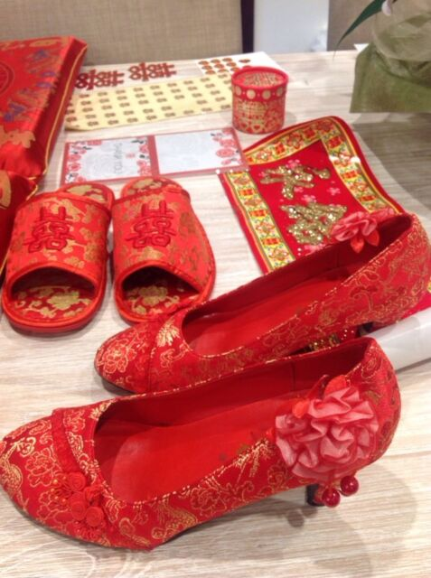 Chinese47 Oriental Wedding Decorations Dress Shoes Bedding