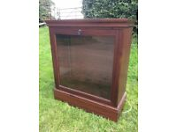 Lockable shop glass wooden display cabinet
