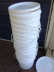 10 L Buckets with sealable lids $2 each Geebung Brisbane North East Preview
