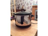 Large Morphy Richards slow cooker
