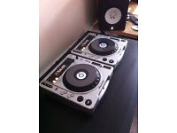 Pioneer CDJ 800 MK2 (Pair with flight cases)