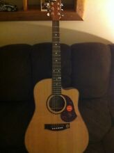 Maton EM225 Acoustic/Electric Guitar. Custom Shop AP5 South Tamworth Tamworth City Preview
