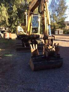 Excavator for Sale 5 ton Cab Air Steel Tracks Rubber Pad Tilt Mud Ryhope Lake Macquarie Area Preview