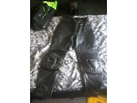 Ladies Frank Thomas leather trousers size 10