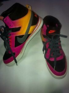 NIKE DELTA FORCE HIGH TOPS 20$ OBO