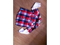 -- Boys Shirt -- Never Used -- 4-5 years --- lovely colours for the xmas season --