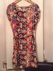 Ladies printed tunic, size 16 with matching belt. Check out my other items for sale, great prices!