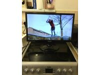 Samsung 24 inch LED TV built in free view and smart features grab a bargain complete with remote