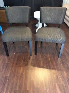 2 fauteuils gris