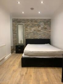 Large double room available in a ground floor shared flat West Dulwich £650pcm All bills included