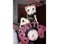 big betty boop wall clock very nice item
