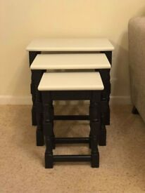 Nest of 3 Tables Black and Off White