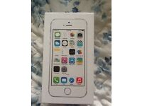 IPhone 5s unlocked 16gb like new condition and boxed..