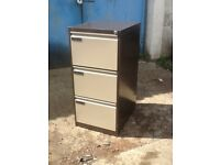Filing Cabinet , 3 draw.Used but good condition.