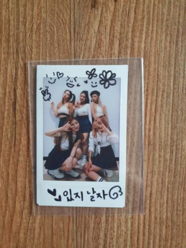 ITZY Broadcast Event Prize Real Polaroid Autographed Hand Signed Group