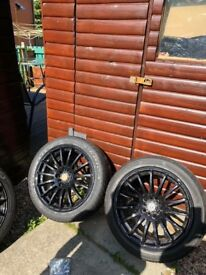 17'inch alloys and tyres