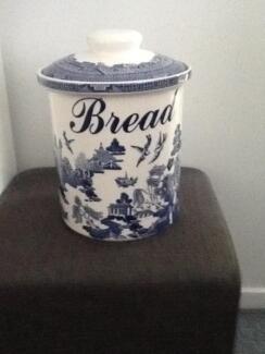 Willow Pattern Bread Crock Bentleigh Glen Eira Area Preview