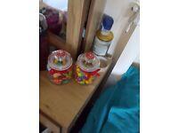 Sweet jars and sweet cones