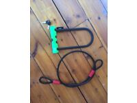 Bike Lock - D lock with wheel cable, 2 keys, practically new. Strength - 4