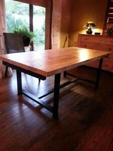 table au look industriel acier et bois a partir de 450