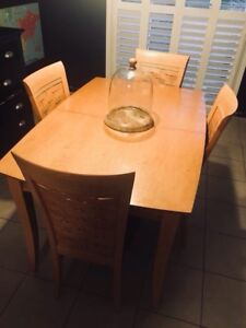 Kitchen/dining table + 6 chairs