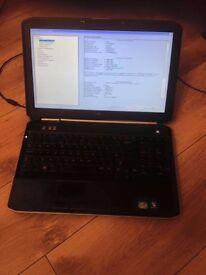 Dell Latitude E5520 Core,i3 2.1GHz,2gb ram 250gb hdd win 7 broken hinge