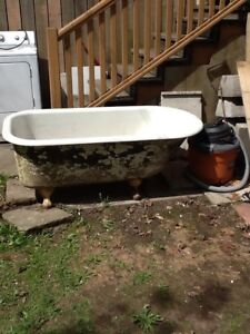 Vintage claw bathtub