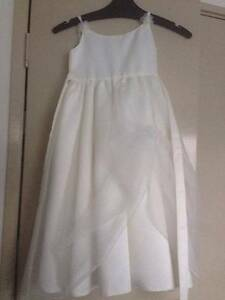 Flowergirl dress Kirwan Townsville Surrounds Preview