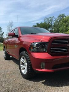 2014 Dodge Ram sport 1500 4x4 Laoded
