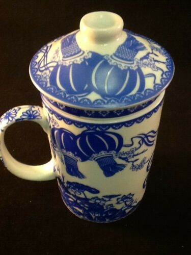 Chinese Porcelain Tea Cup Handled Infuser Strainer w Lid 10 oz Blue Air Ballon